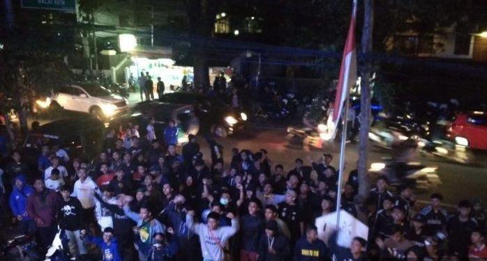 Bobotoh Demonstrasi Tuntut Manajemen Persib Bandung Lakukan