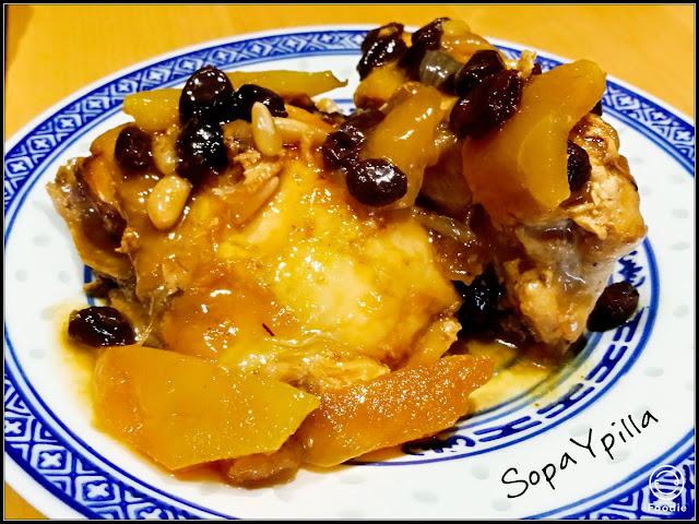 Pollo Con Pasas, Piñones Y Manzana