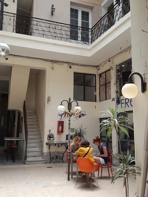 Pasaje PAM, Street Art, Flores, Paraguas, Anne Gabillot, Rosario, Elisa N, Blog Viajes, Lifestyle, Travel, TravelBlogger, Blog Turismo, Viajes, Fotos, Blog LifeStyle, Elisa Argentina