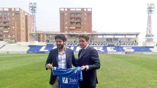 Linares Deportivo, deja el club Elías Cabrera