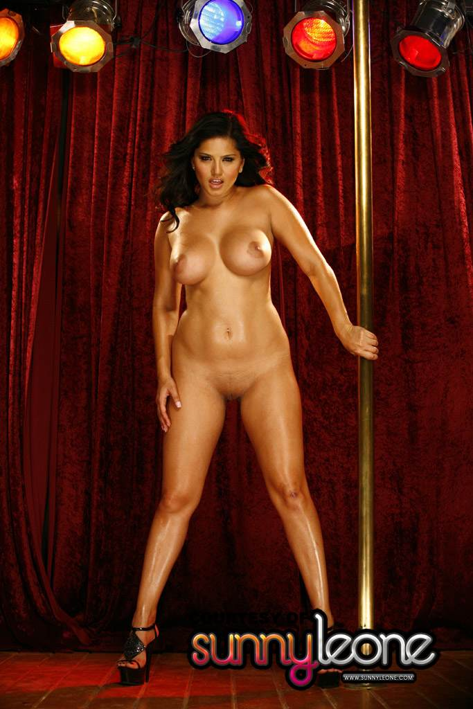 naked girls pole dancing