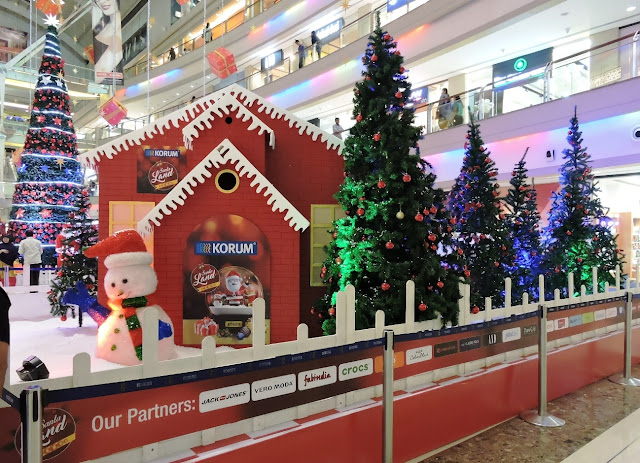 The lively Christmas decor at KORUM Mall ushers in the festive spirit