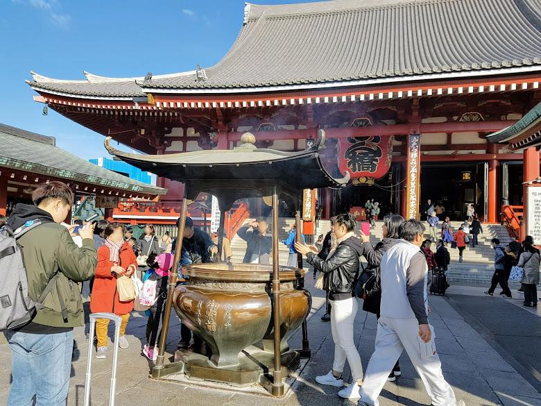 淺草寺內的香爐