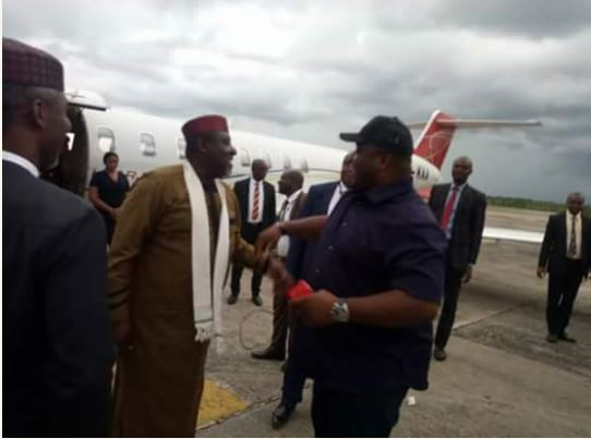 Fun Photos Of Ifeanyi Ubah and Okorocha At The Airport