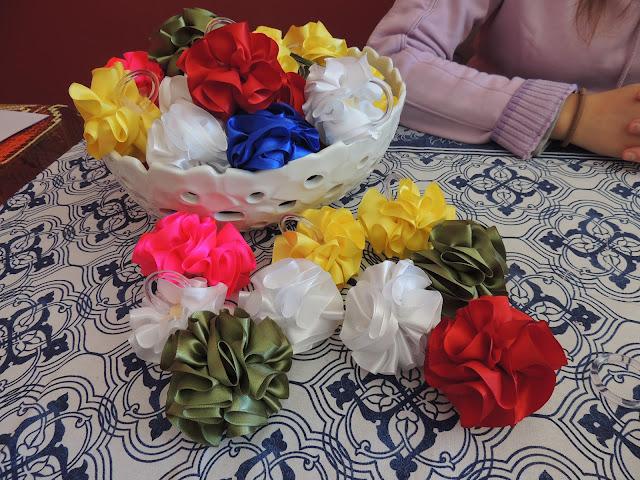 Porta Guardanapo de flor de cetim