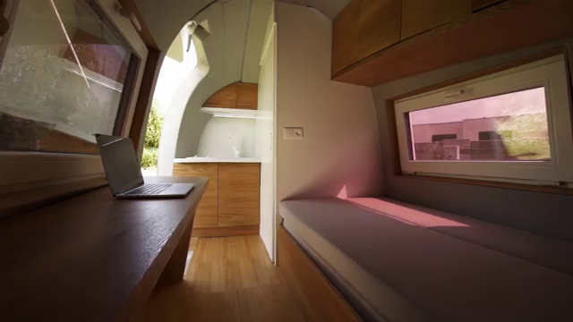 07-Ecocapsule-Architecture-with-Tiny-Wind-&-Solar-Powered-Off-Grid-Capsule-www-designstack-co