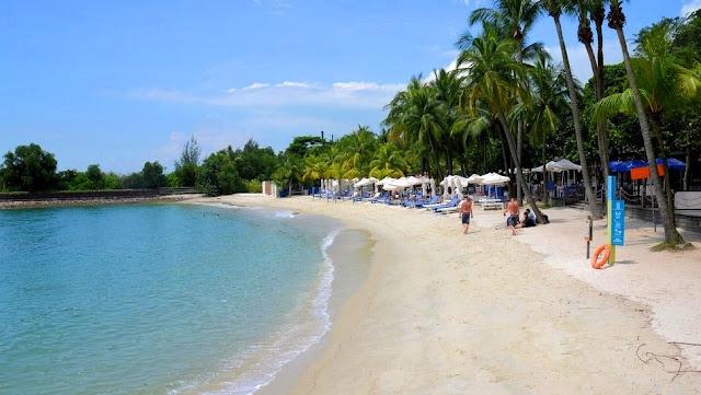 Wisata di Pantai Sentosa Island Singapura