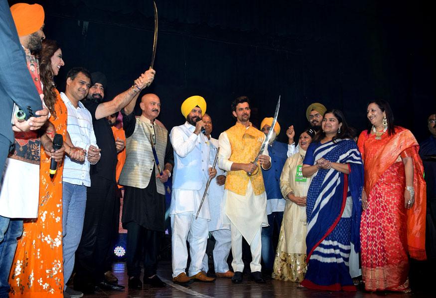 Hrithik Roshan Pays Tribute to 'Bhagat Singh' on his 110th Birth Anniversary