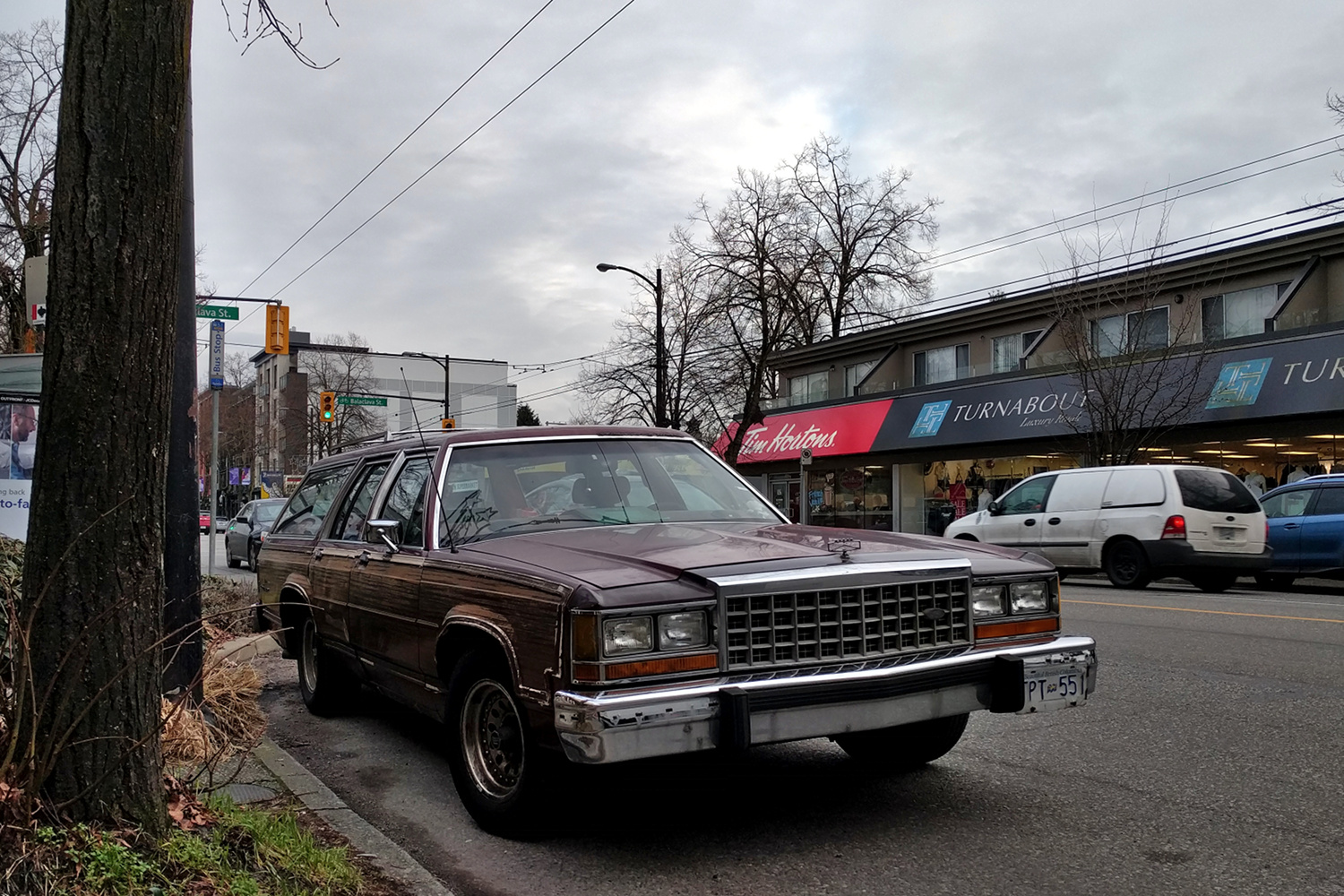 Old Parked Cars Vancouver: 1985 Ford LTD Country Squire