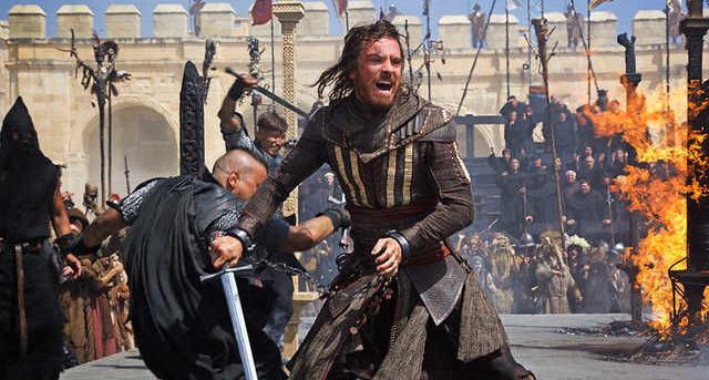 Carátula y extras del bluray de la película Assassin's Creed