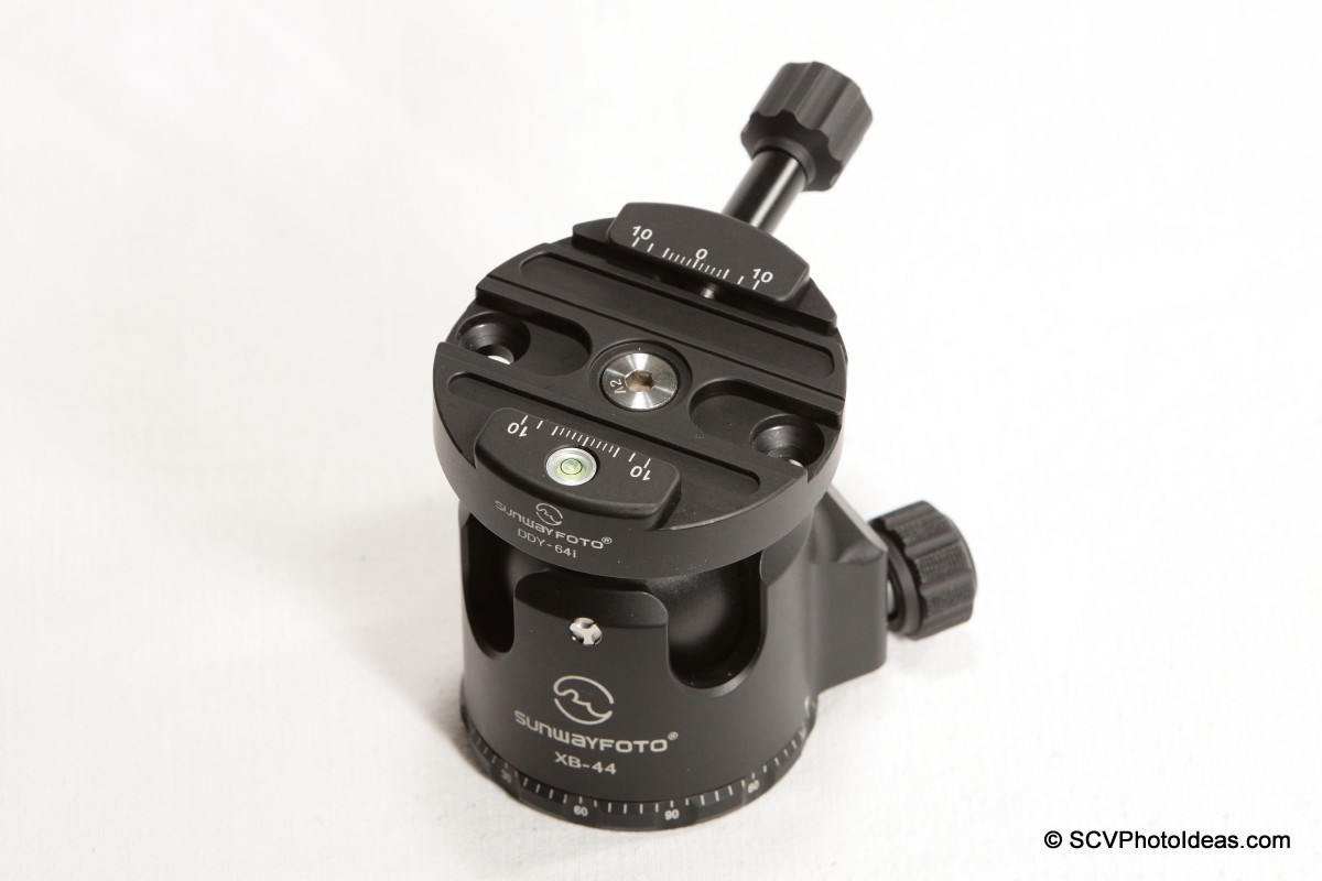 Sunwayfoto DDY-64iL Discal QR clamp on XB-44 LP Ball head