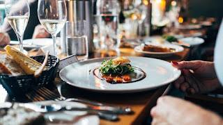 Restaurant dan Hiburan