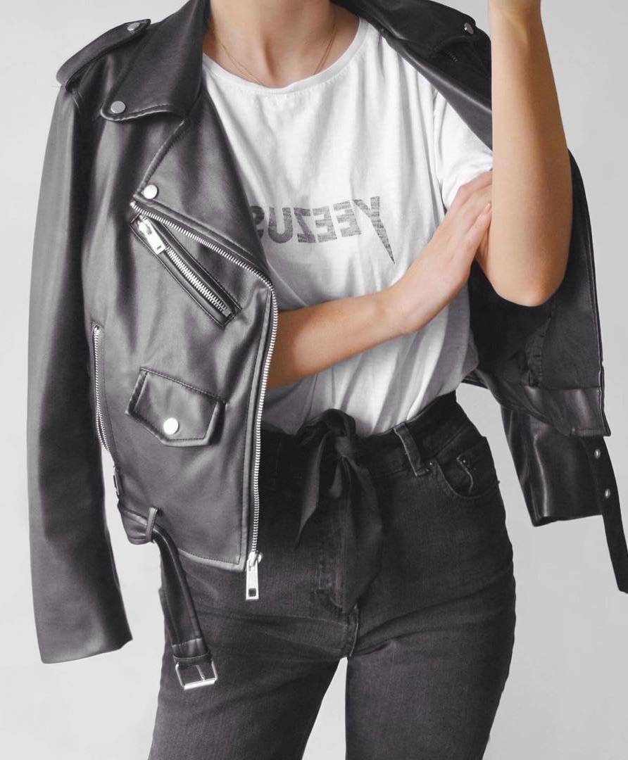 what to wear this fall : moto jacket + white top + black skinny jeans