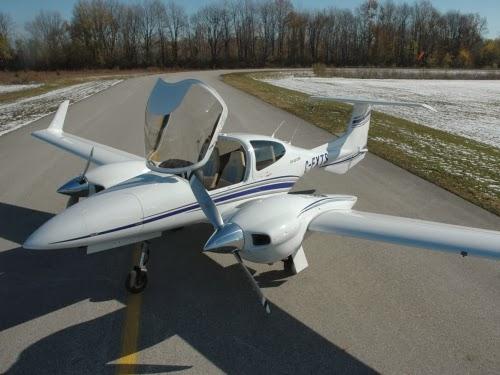 DA-42 Twin Star en tierra