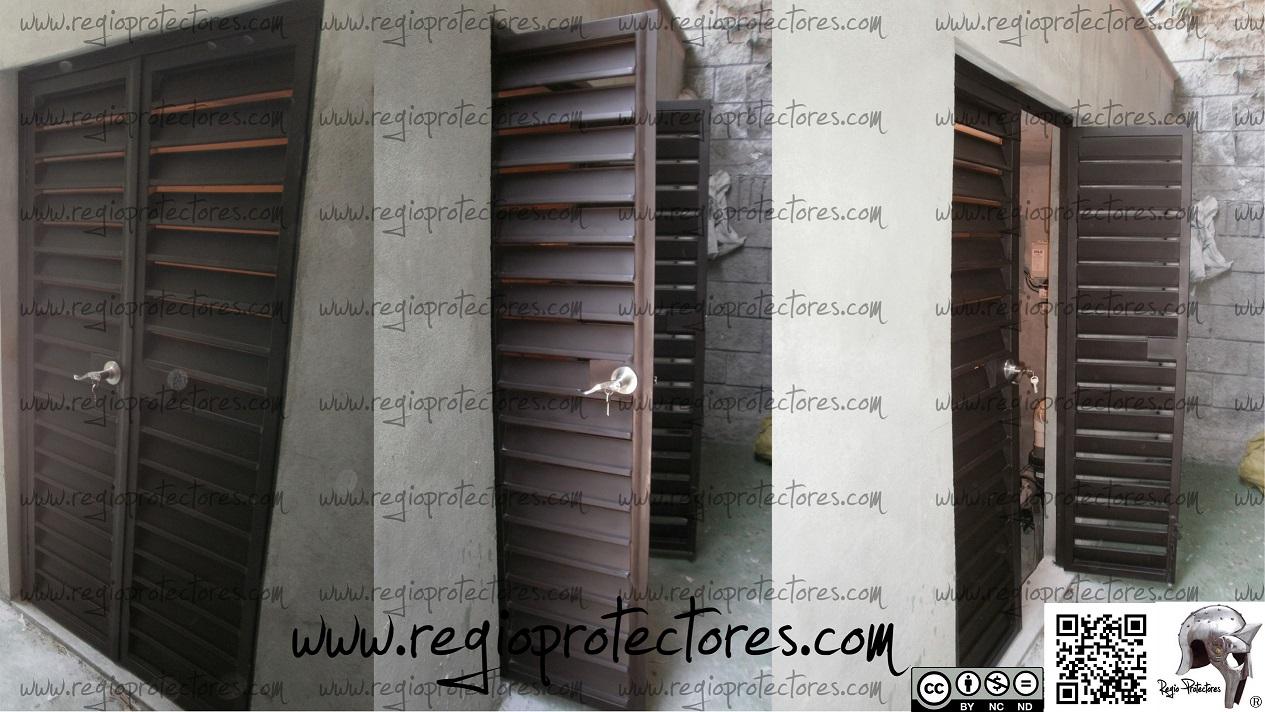 Regio protectores puerta estilo louver instalada en el for Puerta tipo louver