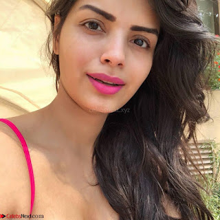 Sonali Raut looks stunning in Pink Bikini at her vacation Exclusive Pics