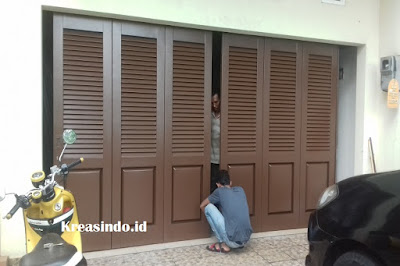 Jasa Pintu Lipat Besi atau Pintu Garasi Besi di Cirebon dan sekitarnya