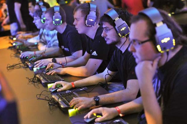 9 Hal Ini Membuktikan Bahwa Orang Yang Suka Main Game atau Gamers Itu Cerdas alias Pandai