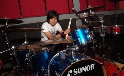 hendy drumer gigi drummer gusti