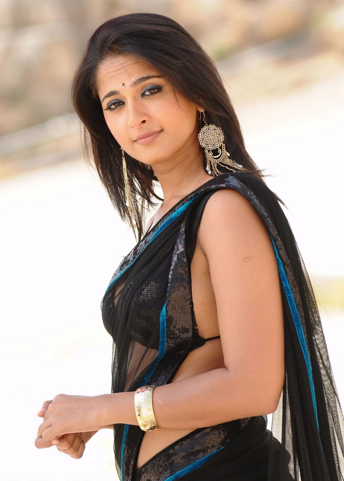 Singam 3 Hd Wallpaper Anushka Shetty Pictures Hot High Resolution Pictures