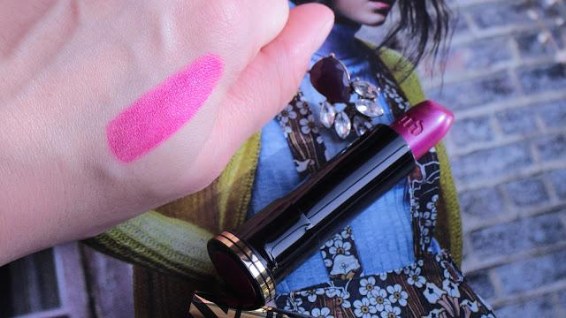 Gwen stefani makeup, gwen stefani lipstick, urban decay gwen stefani, gwen stefani firebird swatch, gwen stefani lipstick review