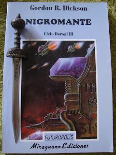 Portada del libro Nigromante, de Gordon R. Dickson
