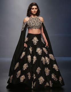 Prachi Desai In Black Lehenga Choli At Lakme Fashion Week (2)