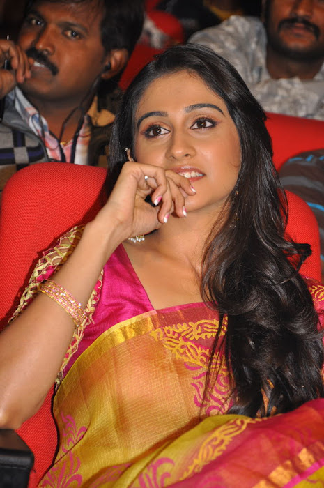 regina at sms movie audio launch, regina glamour  images