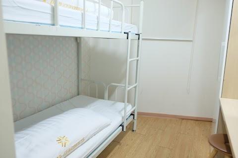 Pilih hostel, apartemen atau hotel ketika liburan di luar negeri?