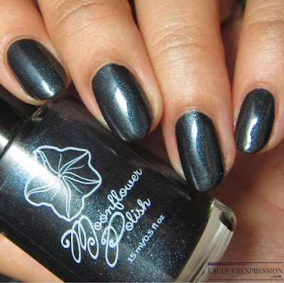 nail polish swatch of Perla Negra by Moonflower Polish