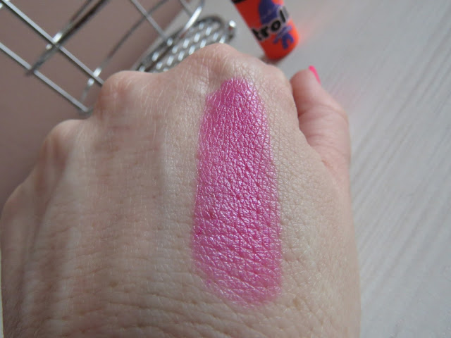 MAC_trolls_dance_off_pants_off_lipstick_swatch