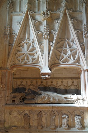 ain abbaye ambronay église gisant
