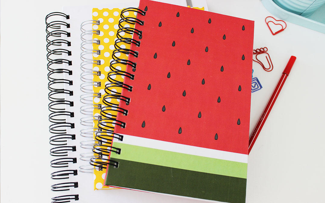{Dica de papelaria} Transformando cadernos simples em ...
