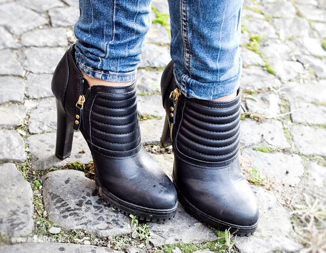 schwarze Ankleboots von Deichmann