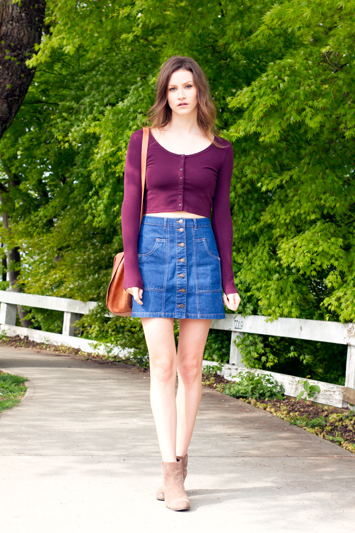 Vancouver Fashion Blogger, Alison Hutchinson, in an Aritzia Cropped top and a Stradivarius button down skirt.