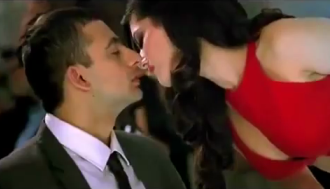 http://4.bp.blogspot.com/-C8TgNNpWhGM/T_hS64JeL4I/AAAAAAAABCY/PhP7b8SkWTk/s1600/Sunny+leone+seducing+Jism+2+Yeh+Jism+song+copied+turkish.png