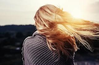Rambut adalah barometer yang menunjukkan kondisi kesehatan yang baik maupun buruk.