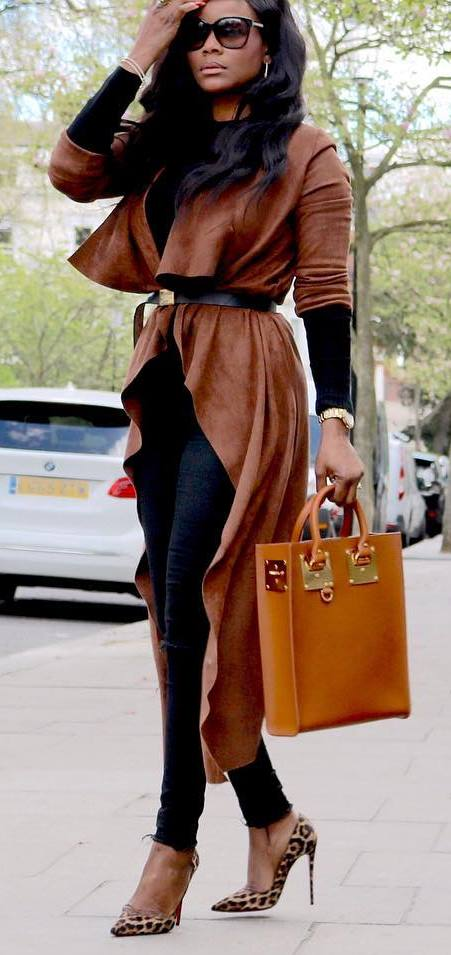 awesome outfit idea / brown coat + black top + skinnies + bag + heels