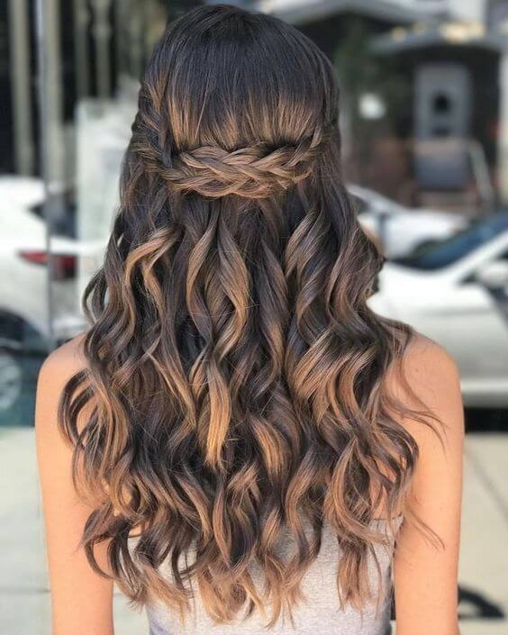 16+ Cute Hairstyles for Homecoming That'll Attract Eyes - Styleuki