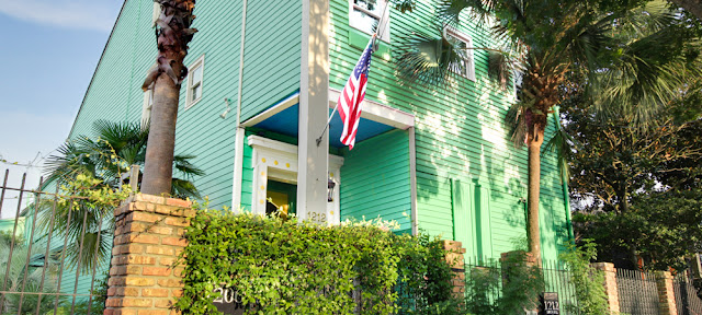 The Green House Inn is a small, historic, pet friendly guesthouse accommodation conveniently located in the Lower Garden District, in the heart of New Orleans.