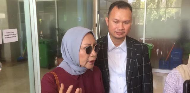 Ratna Sarumpaet: Pemerintah Represif, Jokowi jadi Raja Saja!