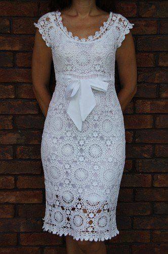 sukienka z elementow szydelkiem