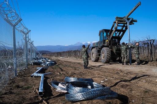 Mazedonien baut zweiten Grenzzaun zu Griechenland