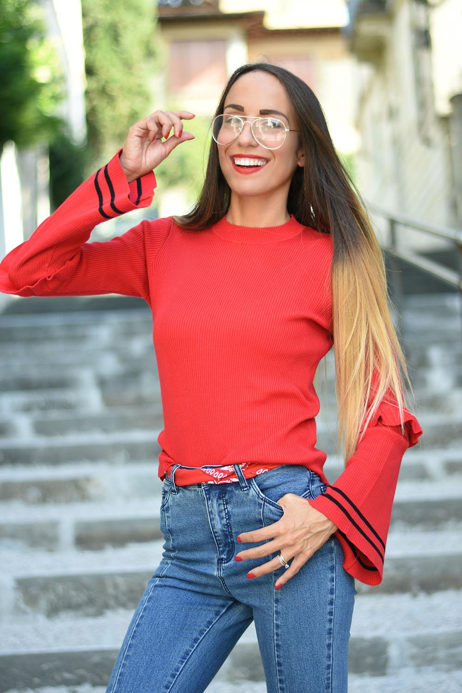 maglione rosso fuoco