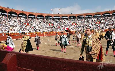 minuto silencio toreros plaza toros acho tributo homenaje defunciones obituario