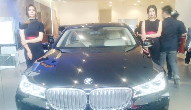 BMW Sudah Buka Showroom Mewah di Medan
