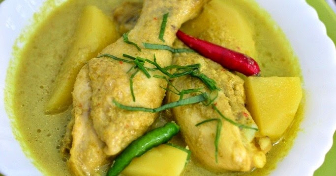 Through The Kitchen Door: Ayam Masak Lemak Cili Padi