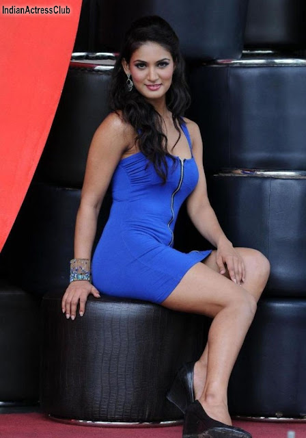 Dimple Girl Wallpapers Mukti Mohan Item Girl Hot Spicy Photos Indian Actress Club