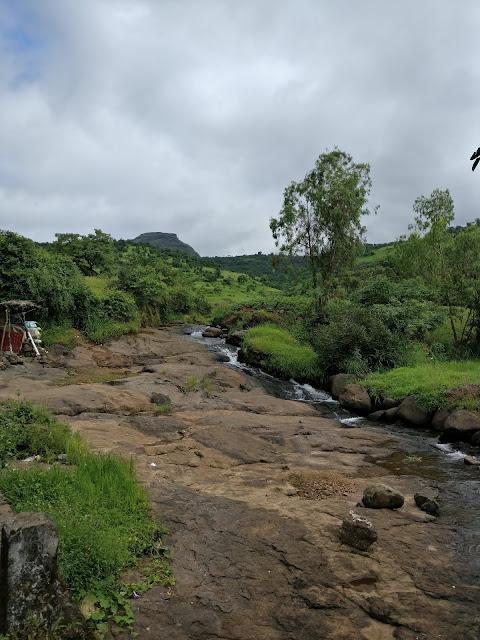 small creek near Pawana Dam just before dudhiware pass
