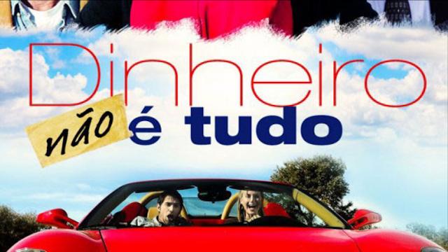 Um homem e uma mulher em super carro de luxo vermelho (Filme Dinheiro não é tudo, completo e dublado)